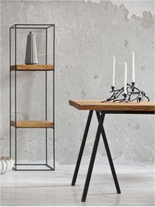 Loftowy stół drewniany i regał industrialny